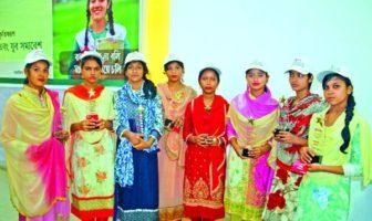 ব্র্যাক সম্মাননা পেল বাল্যবিয়ে প্রতিরোধকারী ৮ কিশোরী
