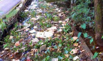 বিয়ানীবাজারের কানিগাং খাল এখন ময়লার ভাগাড়